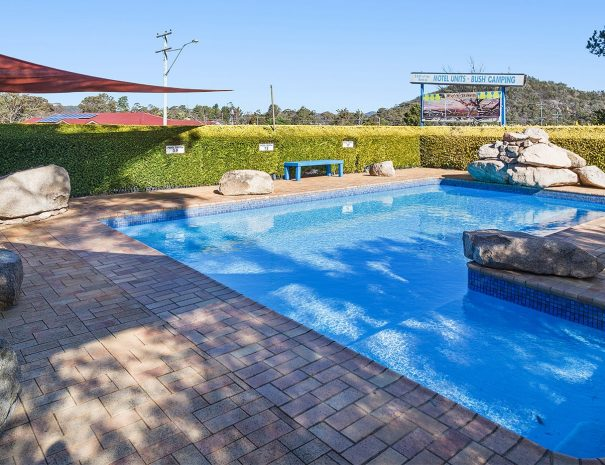 Top-Of-The-Town-Stanthorpe-Accommodation-Pool-1